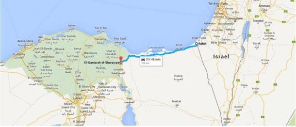 Ez a Google Map mutatja az ősi Hórusz Hadi Út jelenkori nyomvonalát Quantara és Rafah között. Az északra fekvő víz a Földközi-tenger.