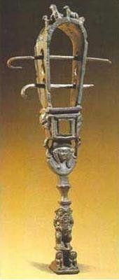 Egy szisztrumot tartó romanizált Ízisz szintén Hadrianus idejéből.