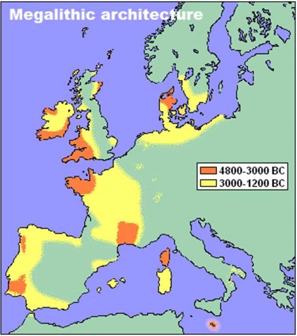 A kép felirata: Megalit-építészet. Az álló kövek és a kőkörök eloszlása az újkőkori Európában. (Map byCromwell)