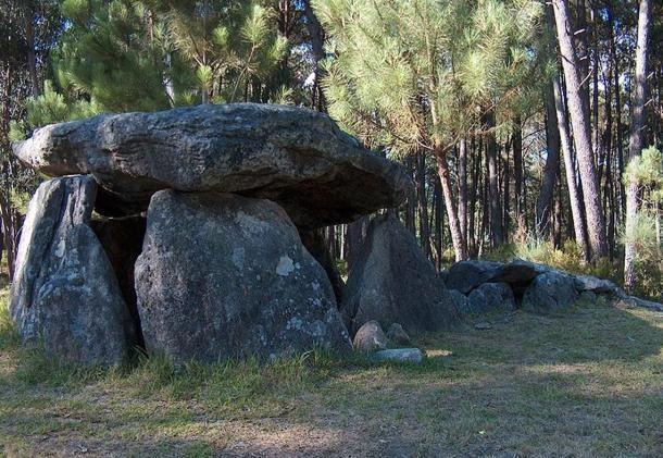 Casa da Moura (A Moura háza) egy dolmen Portugáliában. (Wikimedia Commons)