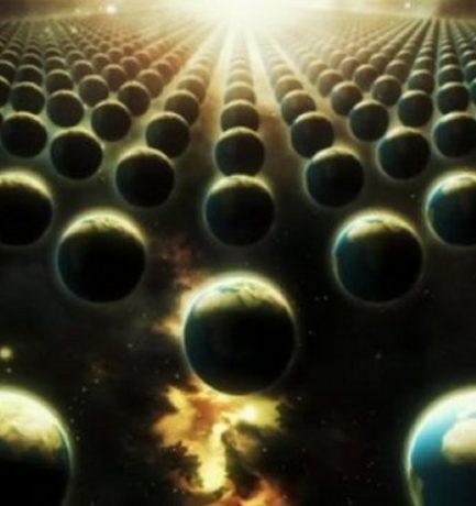 Egy olyan párhuzamos világegyetembe csúszva, ami alig különbözik a miénktől