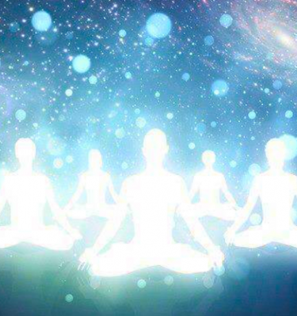 Hogyan hatnak a kozmikus változások a fizikai testünkre?