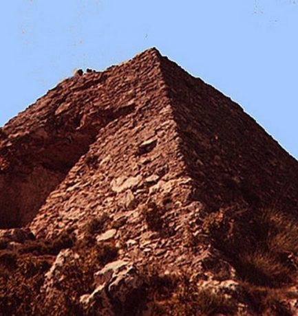 Az ősi és rejtélyes Falicon-i piramis homályba burkolódzó történelme